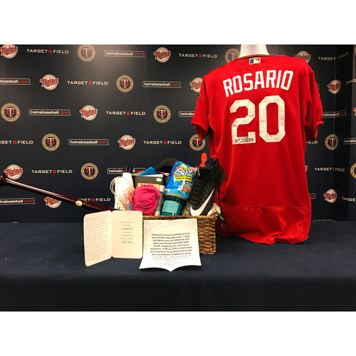 Photo of 2017 Twins Favorite Things Auction: Eduardo Rosario Favorite Things Basket