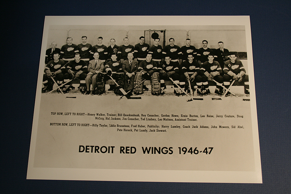 VINTAGE Detroit Red Wings 1946-1947 Team Photo