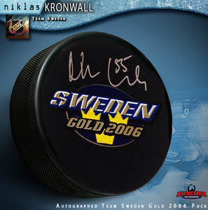 NIKLAS KRONWALL Signed Team Sweden Gold 2006 Logo Puck