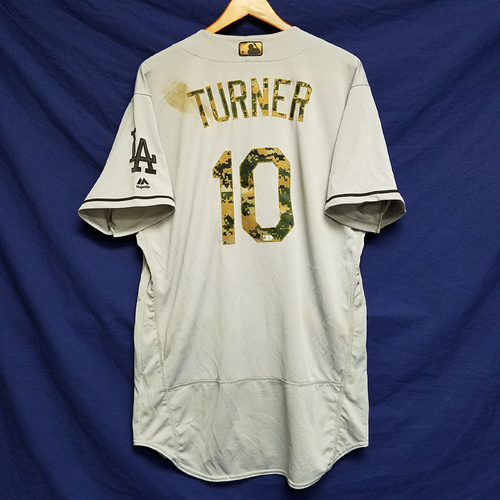 Photo of Justin Turner 2016 Game-Used Road Memorial Day Jersey