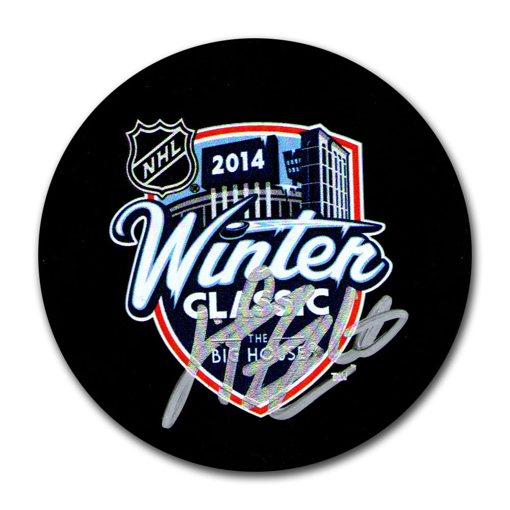 Henrik Zetterberg Autograpehd 2014 NHL Winter Classic Puck (Detroit Red Wings)