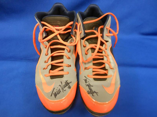 'Photo of Torii Hunter Autographed Game Worn Cleats' from the web at 'http://vafloc02.s3.amazonaws.com/isyn/images/f869/img-479869-m.jpg'