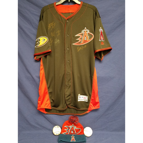 Photo of Anaheim Ducks Los Angeles Angels Charity Auction: Duck Signed Batting Practice Jersey, Game Ball and Signed Ball