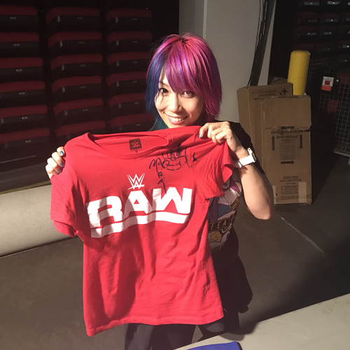 Photo of Asuka WORN & SIGNED T-Shirt (Survivor Series - 11/19/17)