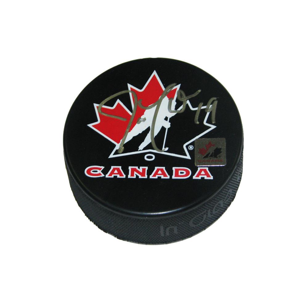 JOE THORNTON Signed Team Canada Logo Puck