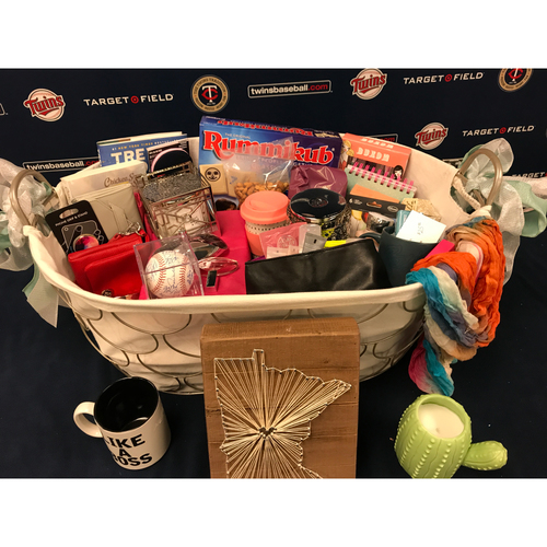 Photo of 2017 Twins Favorite Things Auction: Wives Basket
