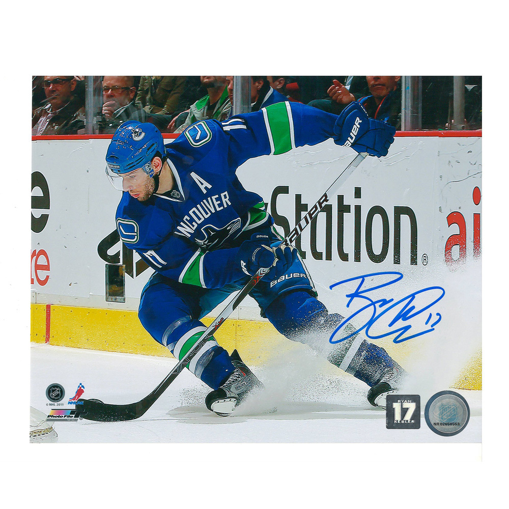 RYAN KESLER Signed Vancouver Canucks 8 X 10 Photo - 70117