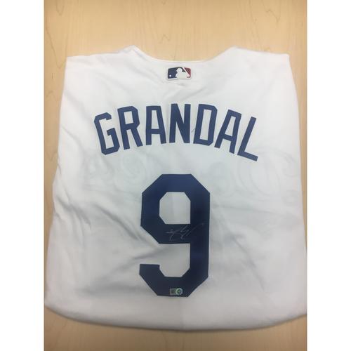 Photo of LA Dodgers Foundation Online Auction: Yasmani Grandal Authentic Autographed Jersey