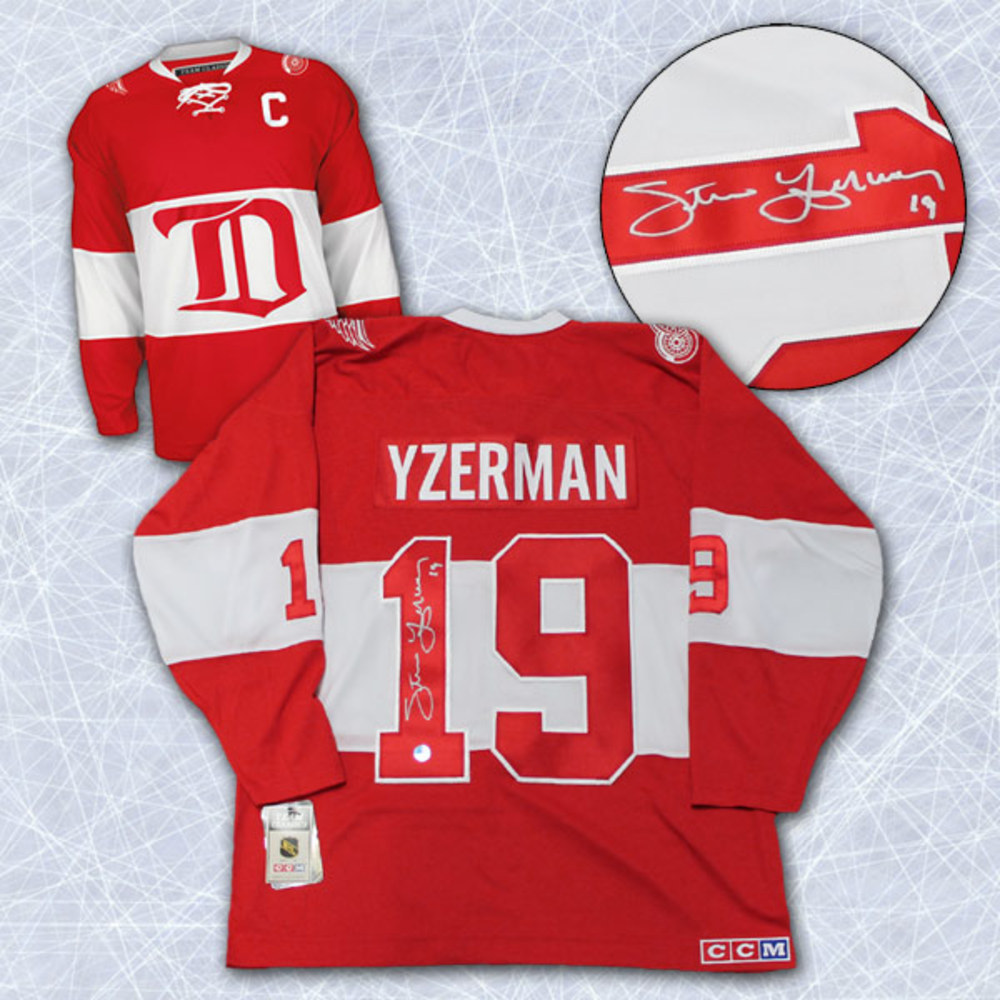 STEVE YZERMAN Autographed Detroit Red Wings 2014 Winter Classic Alumni Jersey