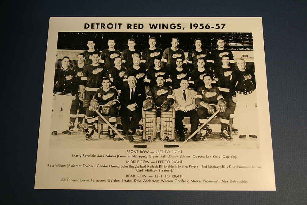 VINTAGE Detroit Red Wings 1956-1957 Team Photo