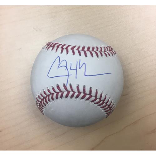 Photo of LA Dodgers Foundation Online Auction: Clayton Kershaw Autographed Baseball