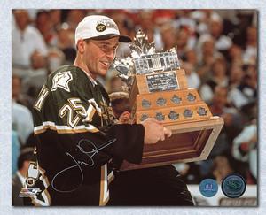 Joe Nieuwendyk Dallas Stars Autographed 1999 Conn Smythe 8x10 Photo