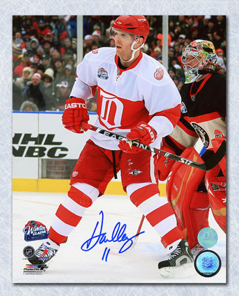 Daniel Cleary Detroit Red Wings Autographed 2009 NHL Winter Classic 8x10 Photo