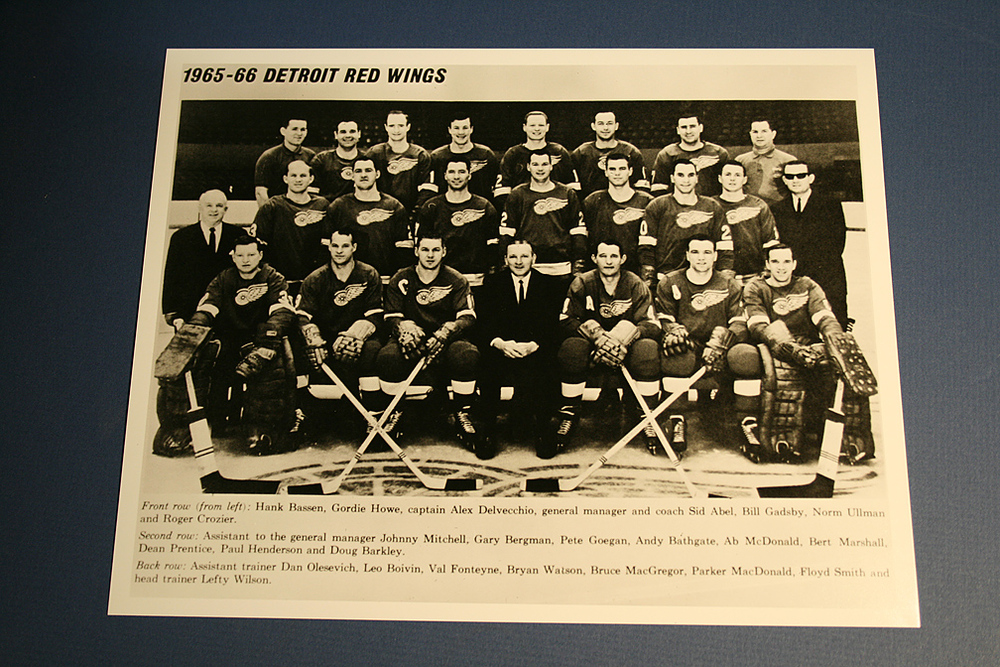 VINTAGE Detroit Red Wings 1965-1966 Team Photo