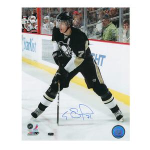 EVGENI MALKIN Signed Pittsburgh Penguins 8 X 10 Photo - 70338