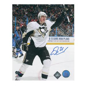 EVGENI MALKIN Signed Pittsburgh Penguins 8 X 10 Photo - 70389
