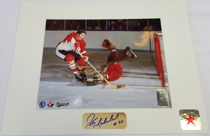 Pete Mahovlich Signature 1972 Summit Series Scoring On Tretiak 8x10 Custom Matted Photo