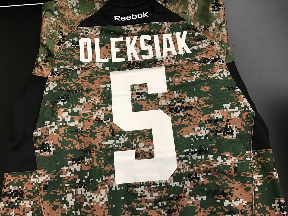 Dallas Stars, Jamie Oleksiak, warm-up worn  camo jersey