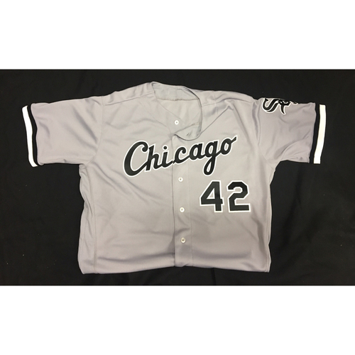 Photo of Nate Jones Game-Used 2017 #42 Jersey