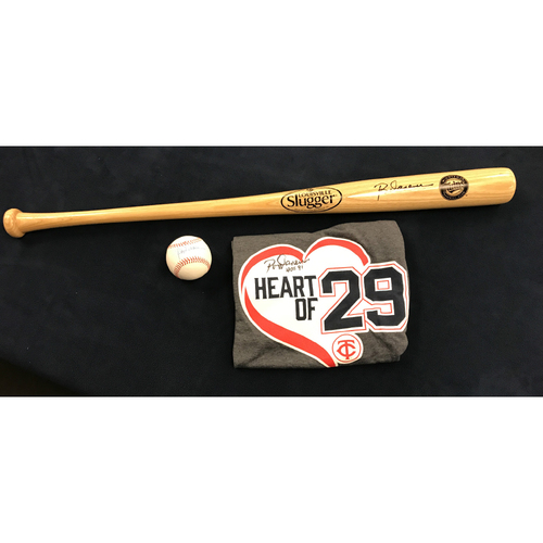 Photo of 2017 Twins Favorite Things Auction: Heart of 29 Package
