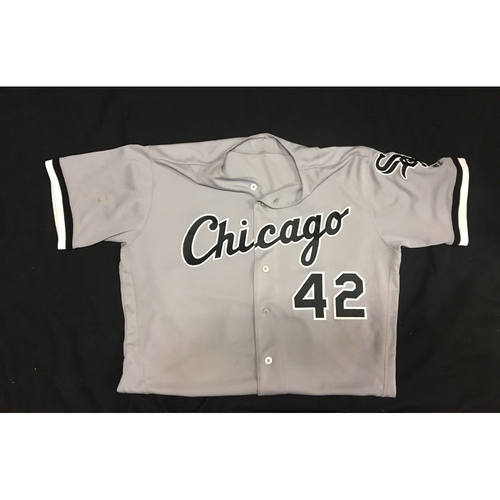 Photo of Omar Narvaez Game-Used 2017 #42 Jersey