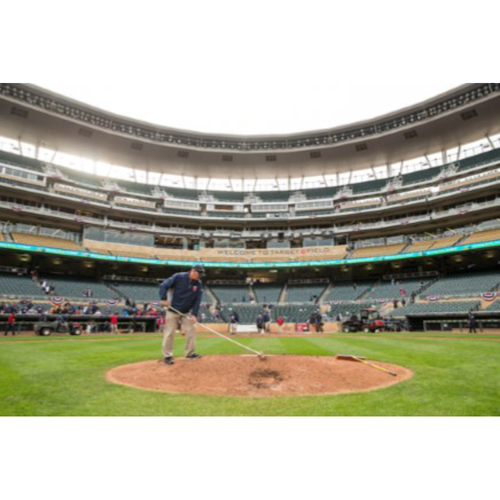 Photo of 2017 Twins Favorite Things Auction: Day in the Life with our Grounds Crew