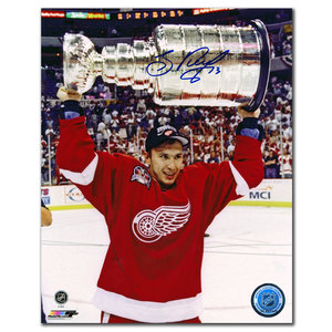 Slava Kozlov Detroit Red Wings 1998 Stanley Cup Autographed 8x10