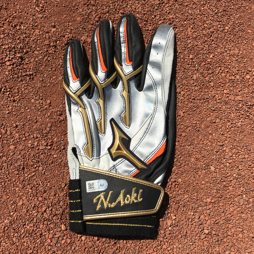 Photo of San Francisco Giants - Autographed Batting Gloves - Nori Aoki