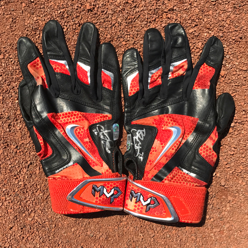 Photo of San Francisco Giants - Autographed Batting Gloves - Brandon Crawford