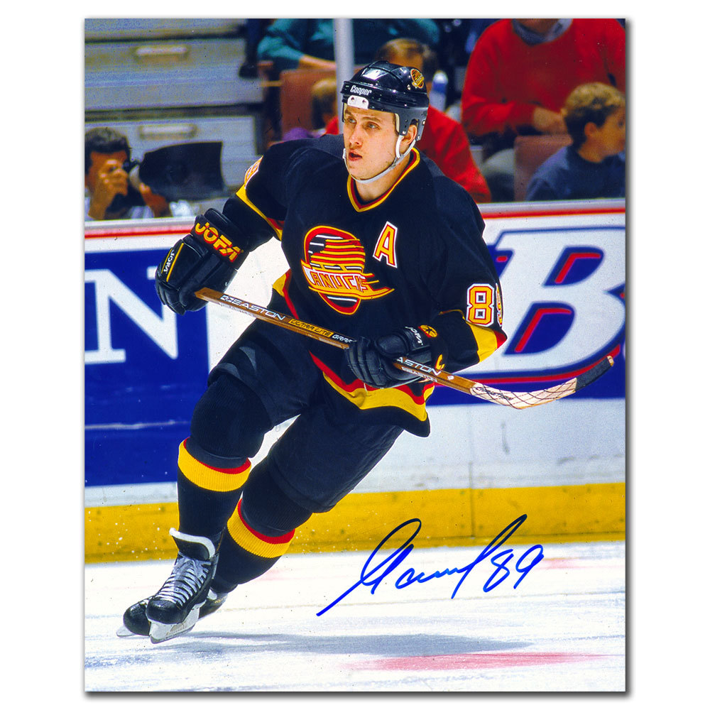 Alexander Mogilny Vancouver Canucks Autographed 8x10