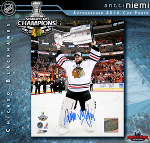 ANTTI NIEMI Signed Chicago Blackhawks 2010 Stanley Cup 8 X 10 Photo - 70441
