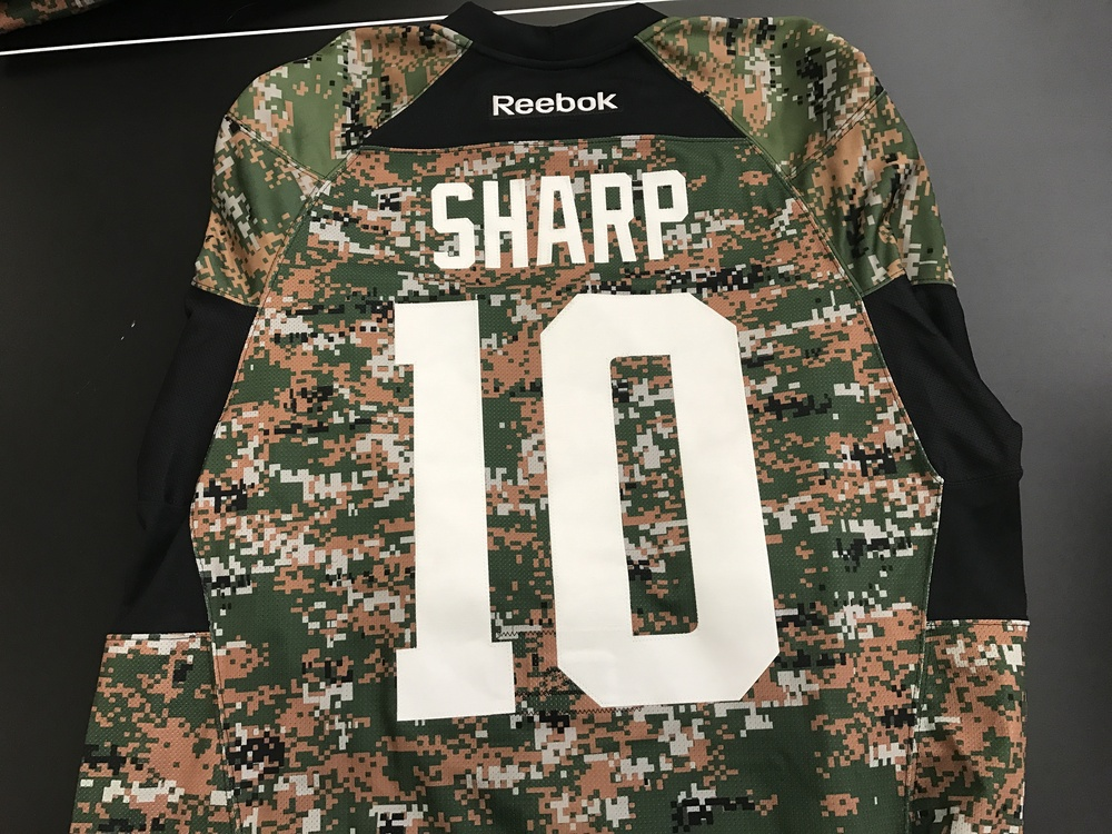 Dallas Stars, Patrick Sharp, warm-up worn  camo jersey
