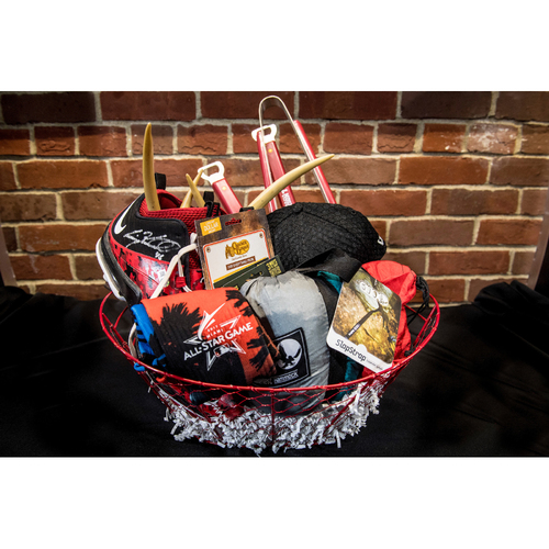 Photo of Red Sox Wives' Hurricane Harvey Basket Auction: Craig Kimbrel Basket