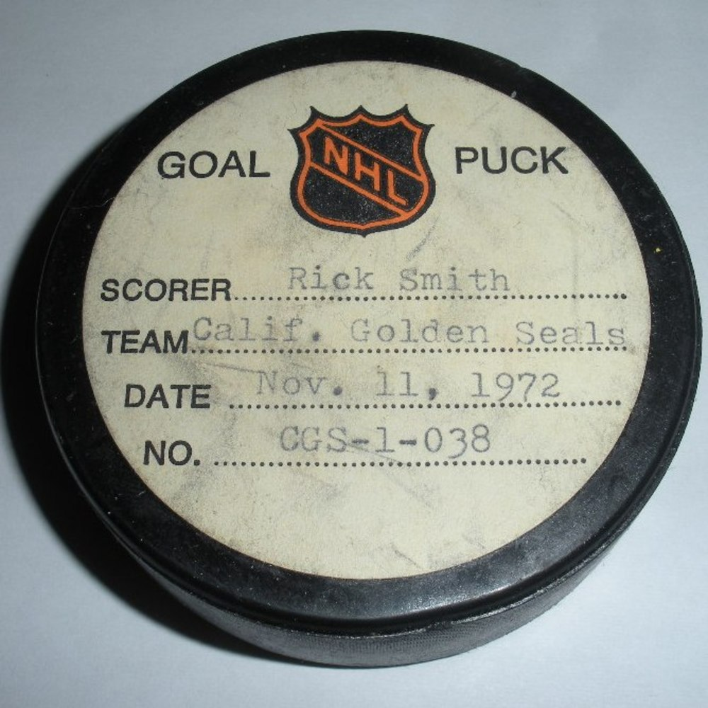 Rick Smith - California Golden Seals - Goal Puck - November 11, 1972 (New York Rangers Logo)
