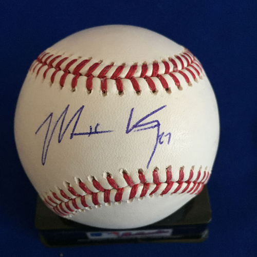 Photo of UMPS CARE AUCTION: Matt Kemp Signed Baseball