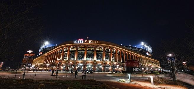 NEW YORK METS BASEBALL GAME: 8/22 METS VS. SAN FRANCISCO (6 DELTA SKY360° CLUB TIC...