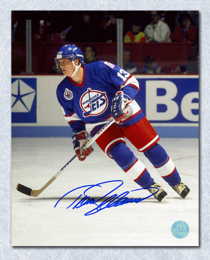 Teemu Selanne Winnipeg Jets Autographed Game Action 8x10 Photo