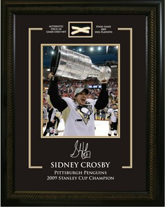 Sidney Crosby - Framed 8x10 Etched Mat - Featuring Piece of Net Penguins 2009 Stanley Cup