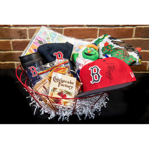 Photo of Red Sox Wives' Hurricane Harvey Basket Auction: Hector Velazquez Basket