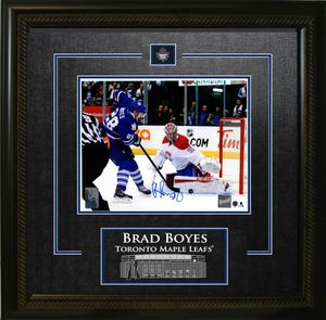 Brad Boyes - Signed & Framed 8x10 Etched Mat - Toronto Maple Leafs Shooting vs Price