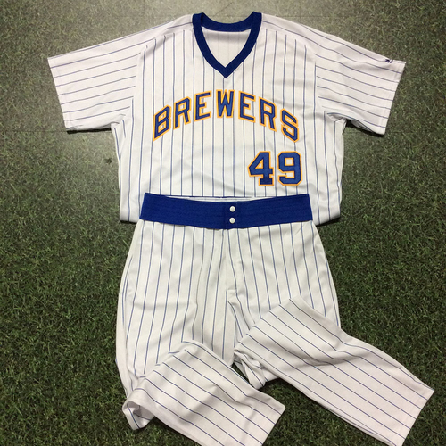 Photo of Pat Murphy Team-Issued 1982 Reunion Weekend Uniform