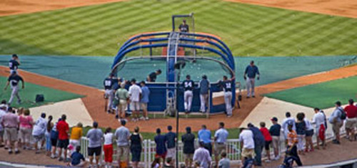 Braves Charity Auction: Atlanta Braves Batting Practice Field Visit plus Four Tickets