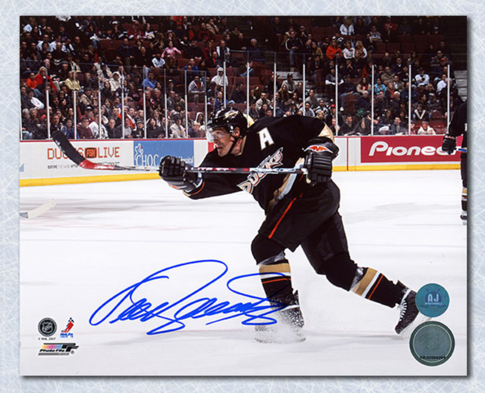 Teemu Selanne Anaheim Ducks Autographed Shooting 8x10 Photo