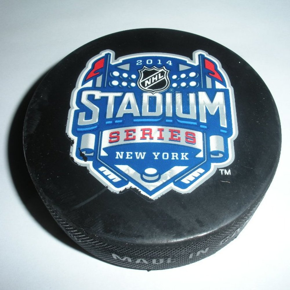 2014 Stadium Series - New Jersey Devils - Practice Puck - 3 of 12