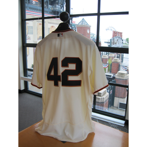 Photo of San Francisco Giants - Game Used - Jackie Robinson Day #42 Jersey - Bruce Bochy