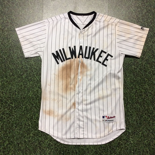 Photo of Eric Thames 2017 Milwaukee Bears Game-Used Jersey - Game-Tying HR (27)