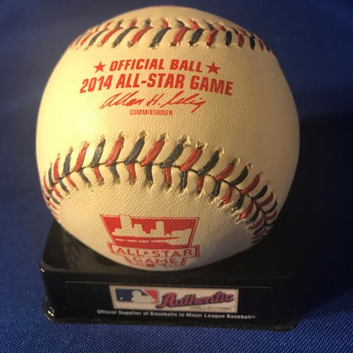 Photo of UMPS CARE AUCTION: Kennys Vargas Signed Baseball