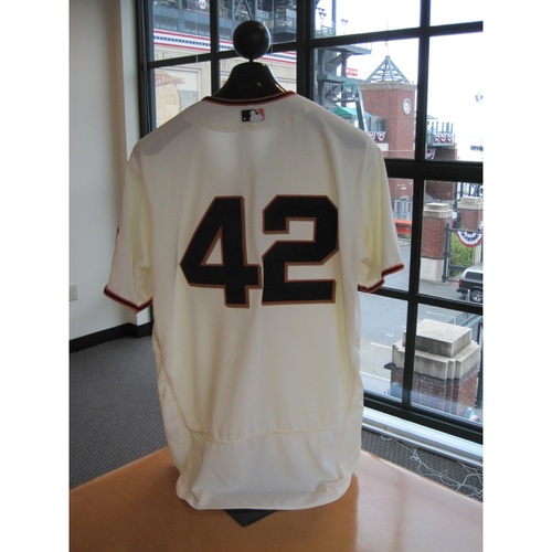 Photo of San Francisco Giants - Game Used - Jackie Robinson Day #42 Jersey - Brandon Belt