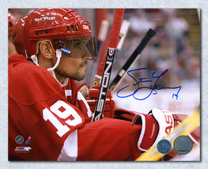 Steve Yzerman Detroit Red Wings Autographed Bench Close Up 8x10 Photo