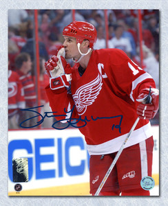 Steve Yzerman Detroit Red Wings Autographed Quiets Rival Crowd 8x10 Photo